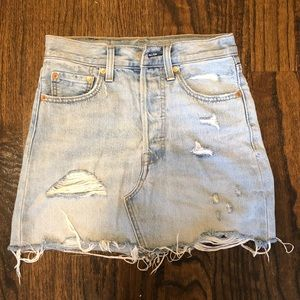 LEVI'S Light Wash Denim Skirt